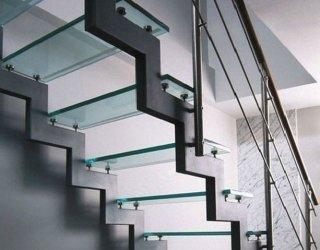 Стеклянные и металлические лестницы